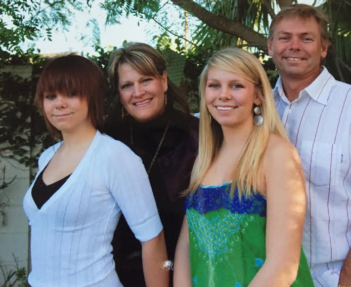 Wink's Daughter Laura, Husband Kevin, and Their Daughters Erin and Tara Cuff